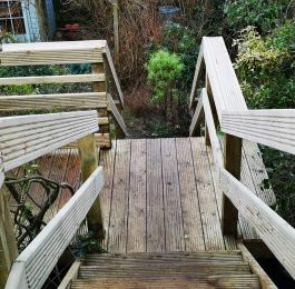 Decking stairs: Click Here To View Larger Image